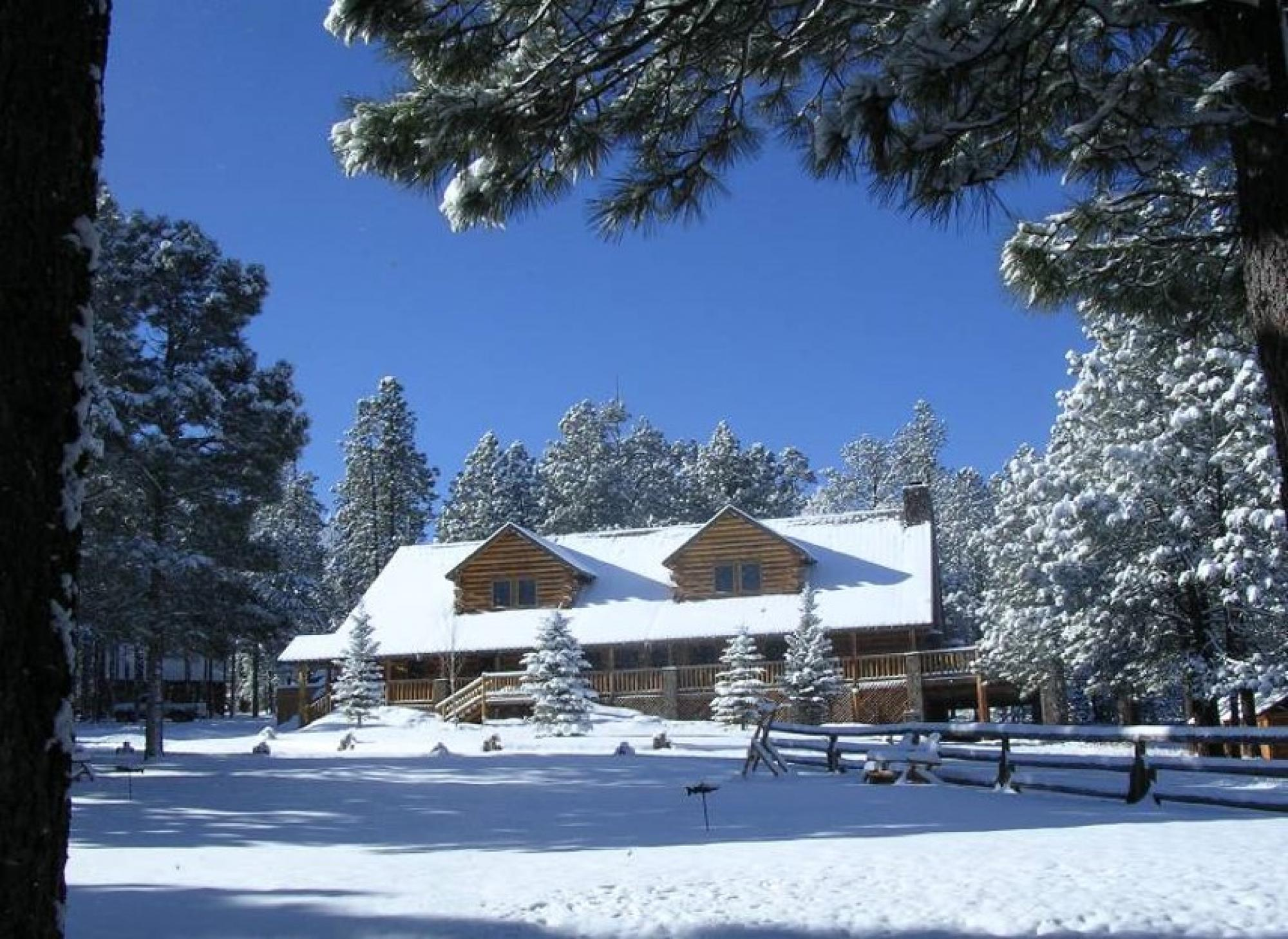 Hidden Meadow Ranch, Ranch House in Winter